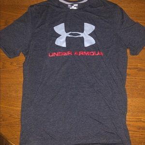 Medium men's Under Armour short sleeve tee.